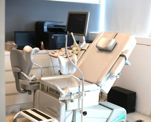 Sala de exames da clínica da Dra Tânia Gewehr